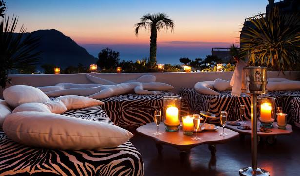 Antropoti-Concierge-Service-Party-Destination-Hotel-Lounge-Bar
