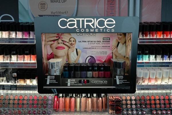antropoti-vip-club-interior-design-event-catrice-promotion-makeup2-600x400.jpg