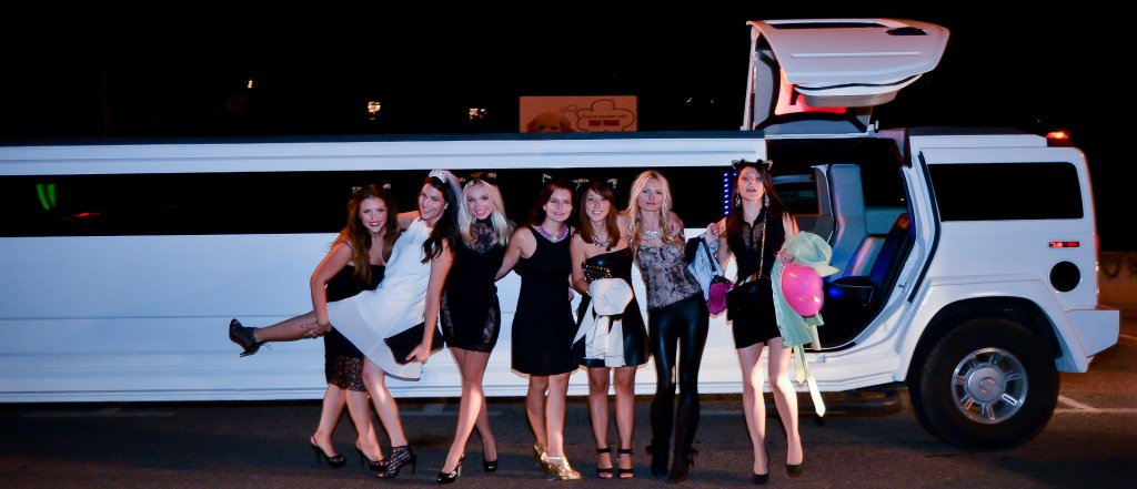 Hummer-limo-Bachelorette Party Antropoti Vip Club Zagreb Croatia7